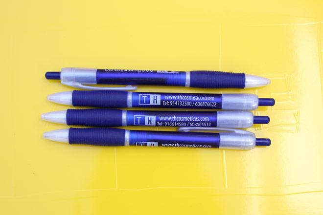 Bolígrafos personalizados para TH Centro Cosméticos
