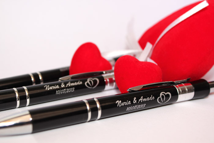 Bolígrafos para regalar a los invitados de la boda de Nuria y Amado