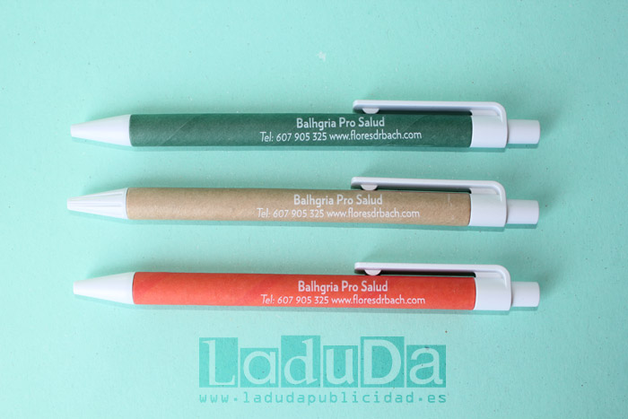 Boligrafos ecologicos de carton reciclado personalizados para Balhgria Pro Salud