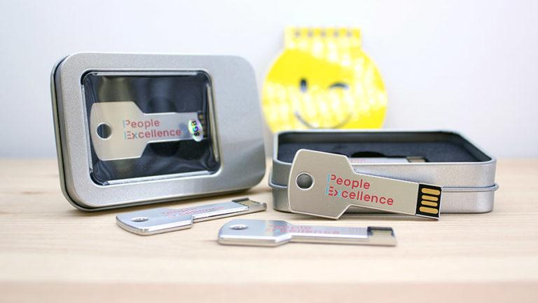 Llaves USB 8GB personalizadas impresión UV digital