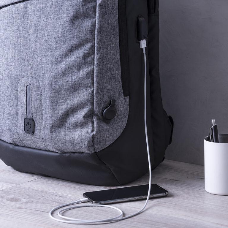 Salida USB mochila power bank Briden